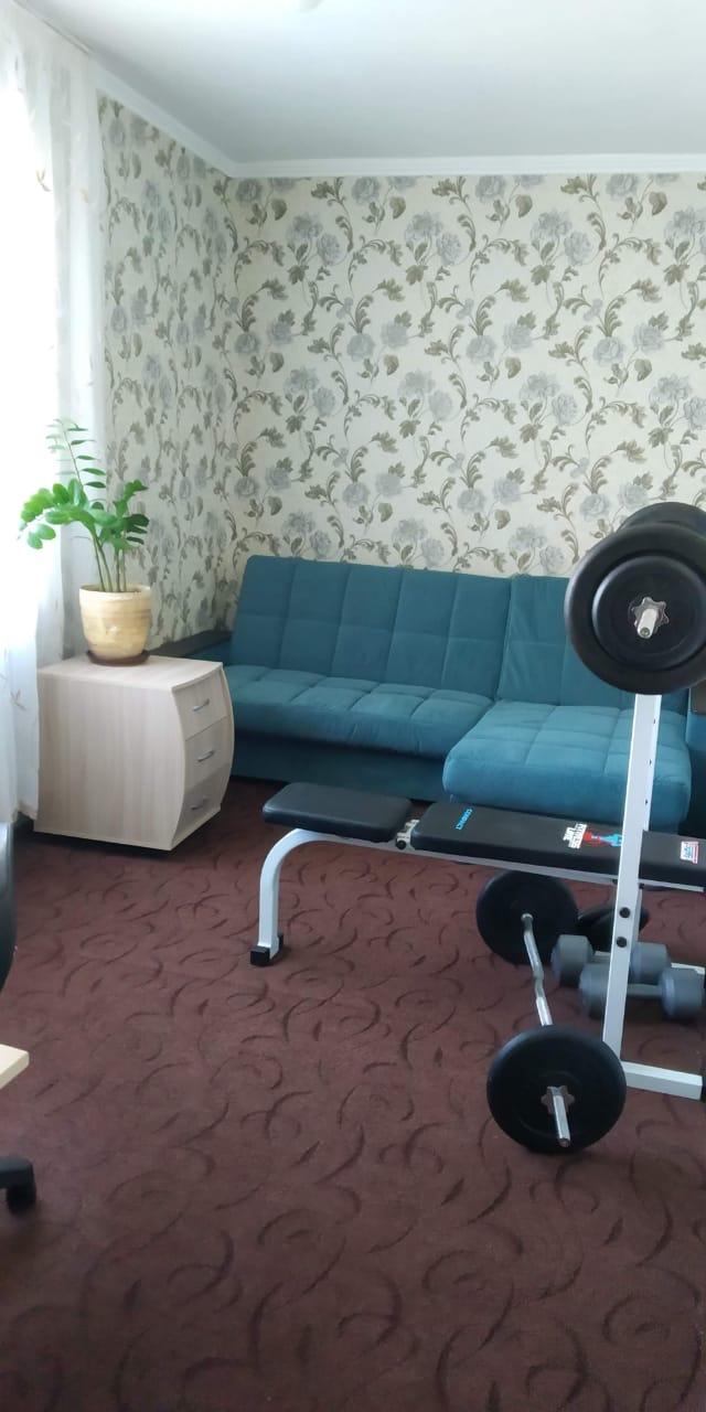 хорошая 2-ка в районе гостиницы Таганрог