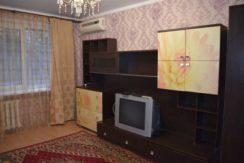 Сдается чистая , уютная двухкомнатная квартира.