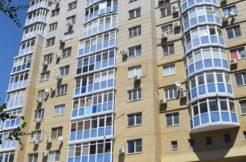Предлагаю Купить трехкомнатную квартиру в хорошем районе.